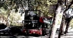 В Барселоне был атакован туристический автобус