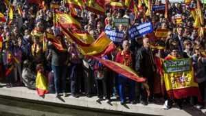 На выборах в Каталонии ожидается высокая явка