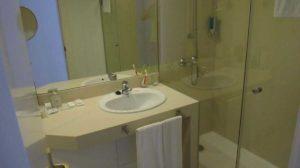Ванная комната в номере Iberostar Bouganville Playa